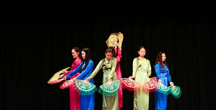 Lac Hong Vietnamese School